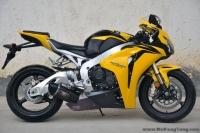 北京现货: 2009款本田CBR1000RR 黄色纪念版  价格六万余元