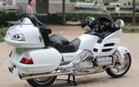新到2008款白色本田金翼1800摩托车