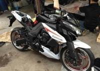 全新2013款川崎Z1000 SP限量版 黑色车身,白色车花
