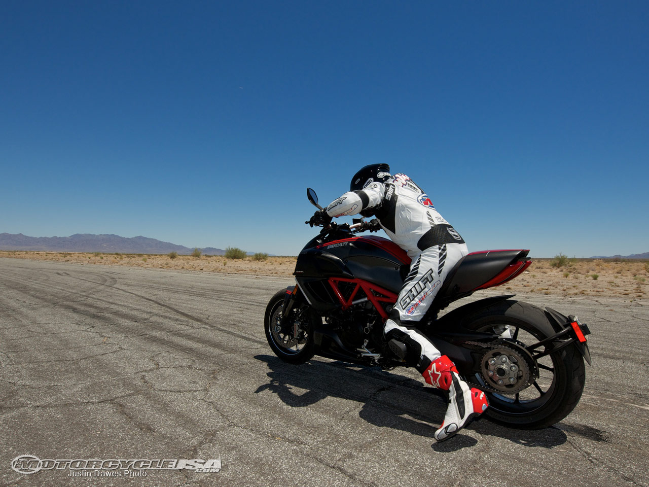 款杜卡迪Diavel摩托车图片1