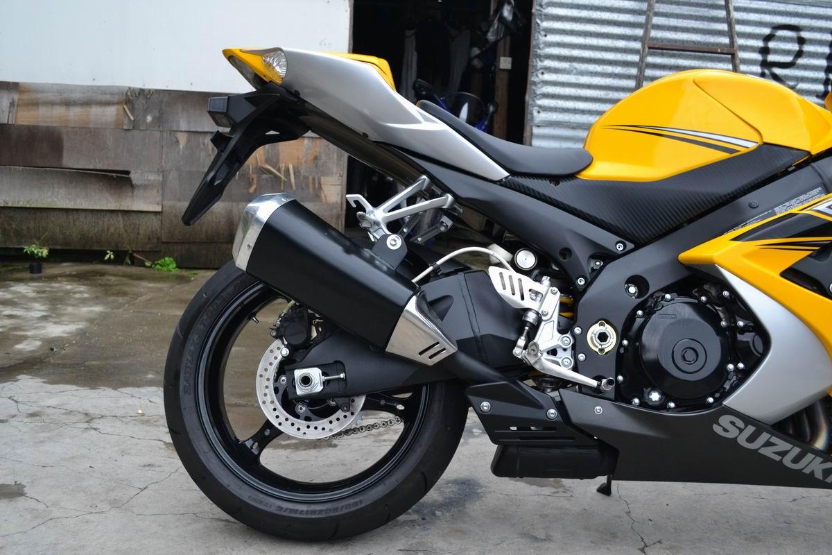 2007款铃木GSX1000 铃木大R K7 黄色 带银边不到七千公里 图片 2