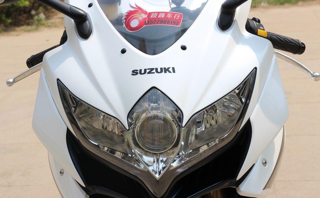 2010款纪念版铃木小R铃木GSX-600R 蓝色车架,白色邮箱 欧版带芯片 GSX-R600图片 1