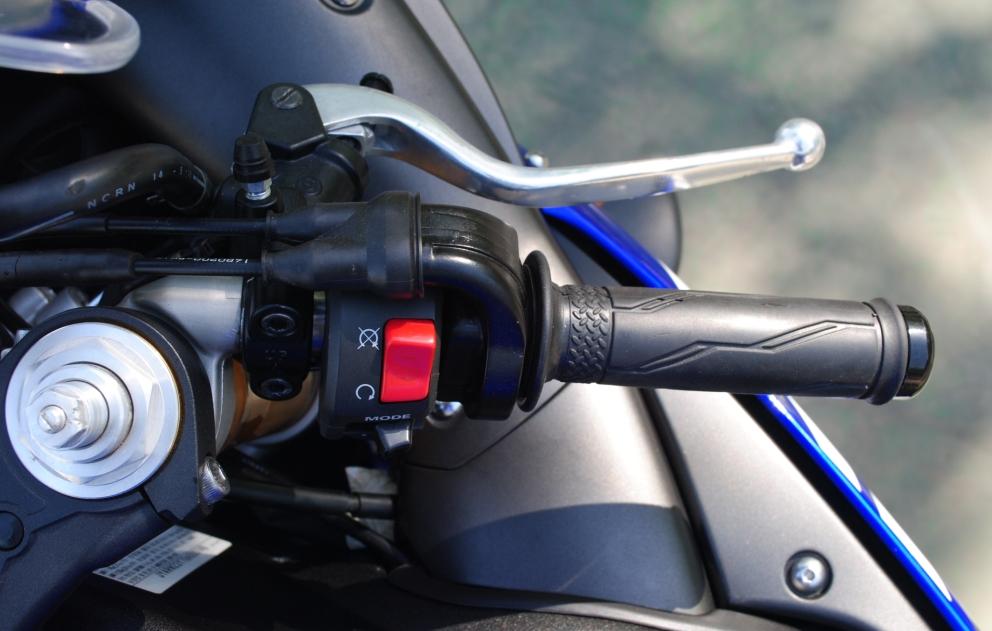 2007款铃木 GSX-600 改装兄弟排气 蓝白色 铃木小R 成色新价格合适 GSX-R600图片 2