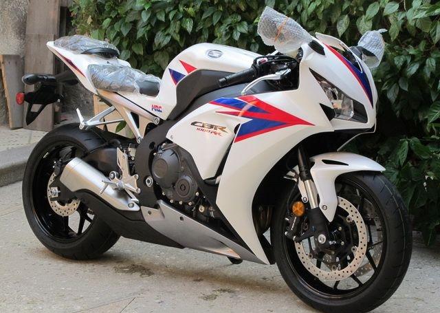 2012款全新白色本田CBR1000RR 20周年纪念版 图片 1