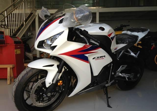 新到2012款全新 本田CBR1000RR HRC 三色花,先到先得 图片 2