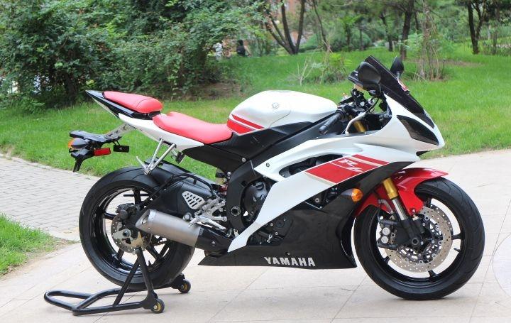 款雅马哈YZF-R6摩托车图片3