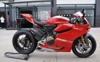 杜卡迪1199摩托车图片