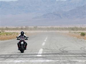 杜卡迪大魔鬼Diavel摩托车2011图片