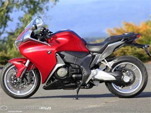 本田VFR1200F摩托车2010图片