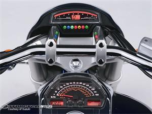 铃木M109R摩托车2011图片