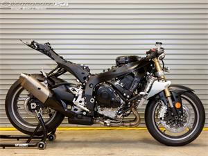 铃木GSX-R750摩托车2011图片