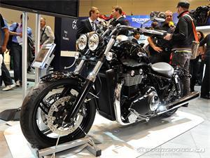 凯旋Rocket III Touring摩托车2011图片
