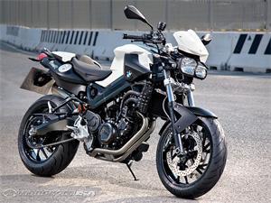 宝马F800R摩托车2011图片