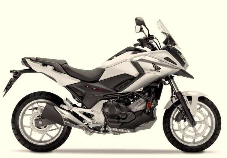 本田NC750X MT摩托车