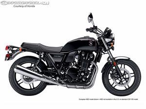 本田CB1100摩托车
