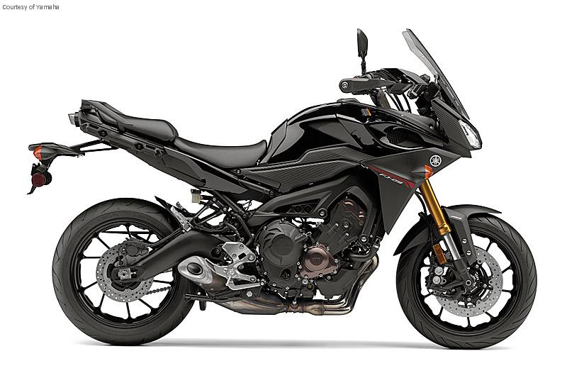 雅马哈FJ-09摩托车