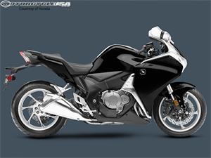 本田VFR1200F摩托车