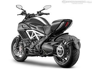 杜卡迪Diavel摩托车