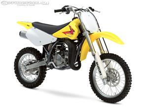2015款铃木RM85摩托车