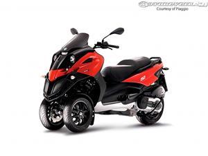 比亚乔MP3 500摩托车