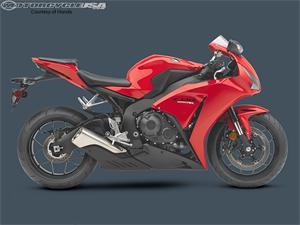 2013款本田CBR1000RR摩托车