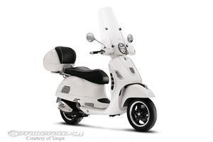 VespaGTS 300 Super摩托车